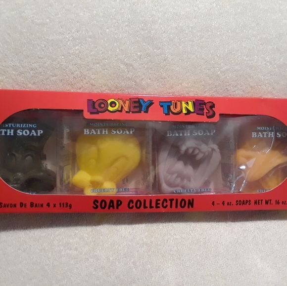 Vintage Looney tunes soap collection set